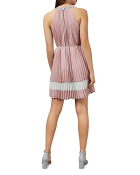 Pink Women S Dresses Shop Designer Dresses Amp Gowns