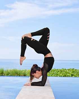Alo Yoga - High-Waist Ripped Warrior Leggings
