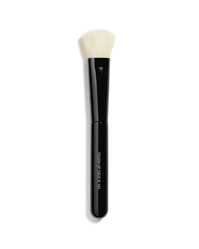 CHANEL - LES PINCEAUX DE CHANEL Touch-Up Face Brush N°104
