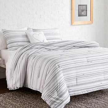 ED Ellen Degeneres - Staggered Love Twin Comforter Set