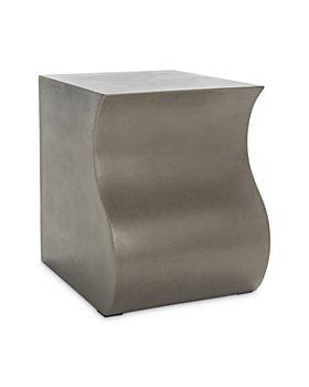 SAFAVIEH - Mazza Outdoor Concrete Accent Table