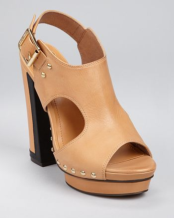 VINCE CAMUTO - Pabla Sandals