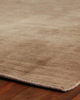 Exquisite Rugs - Reeves Rug Collection