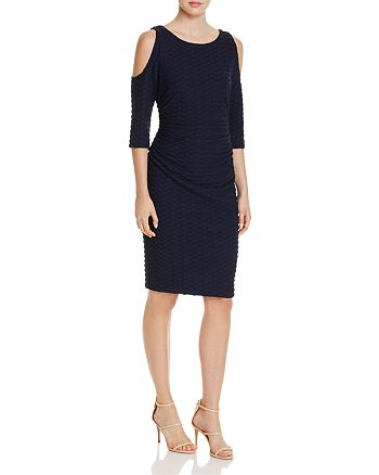 Adrianna Papell - Wavy Textured Cold-Shoulder Dress