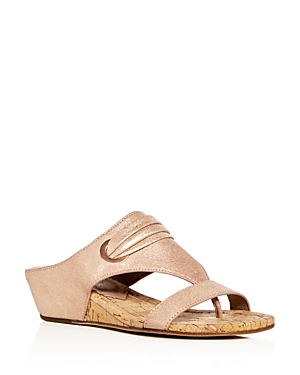 Donald Pliner WOMEN'S DIONNE LEATHER DEMI WEDGE THONG SANDALS