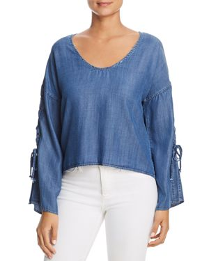 VELVET HEART Chambray Lace-Up Top in Blue Jay