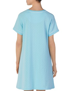 ... Eileen West - Short Matelasse Zip Robe d18fcb405