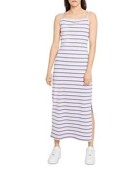 Nike Plus - Femme Striped Maxi Dress