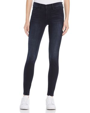 Frame Skinny De Jeanne Jeans in Manor Ave