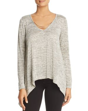 Status by Chenault Chain V-Neck Top
