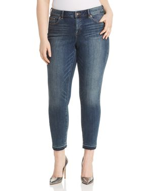 Vince Camuto Plus Cropped Released-Hem Jeans in Mid Vintage 2968701
