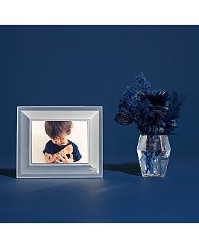 Aura - Quartz Digital Photo Frame