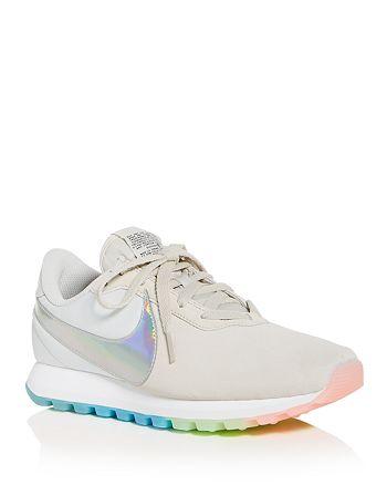 Nike - Women's Pre-Love O.X. Low-Top Sneakers