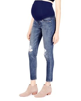 Ingrid & Isabel - Maternity Sasha Skinny Jeans in Distressed