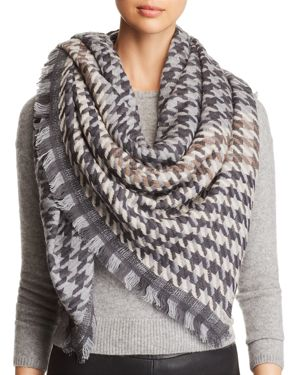 JANE CARR Houndstooth Scarf in Gray