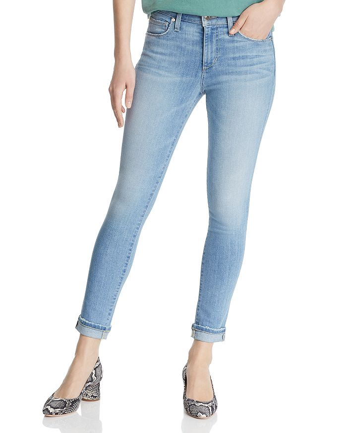 Icon Crop Skinny Jeans in Hannah