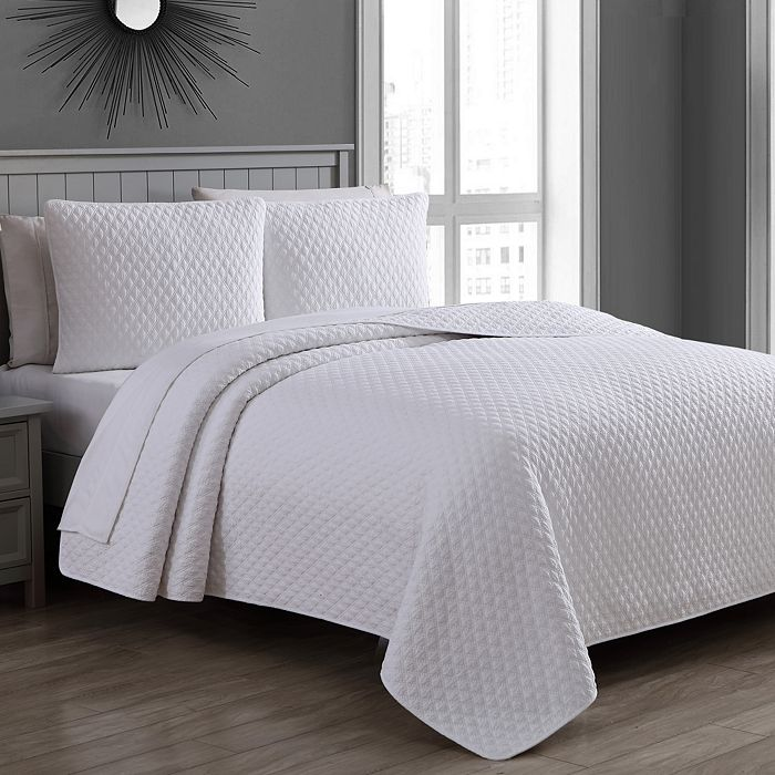 American Home Fashion - Estate Fenwick Quilt Sets