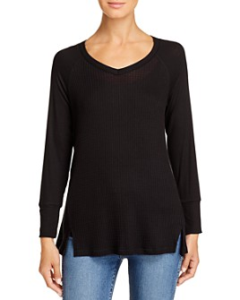 Kim & Cami - Textured V-Neck Top