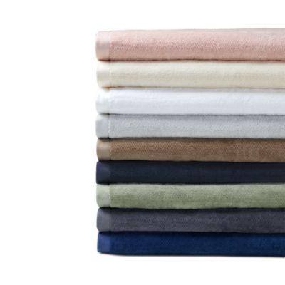 WHITE//IVORY Set of 4 Sferra Filo Guest Towel
