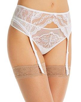 b.tempt'd by Wacoal - Lace Kiss Garter Belt