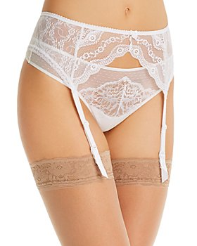 b.tempt'd by Wacoal - Lace Kiss Garter Belt