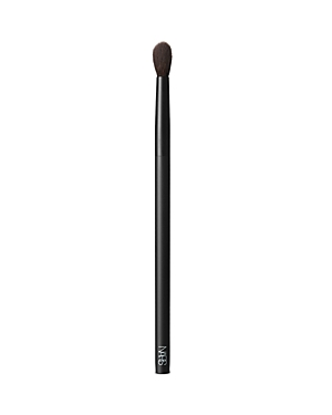 What It Is: A large, tapered, fluffy eyeshadow brush ideal for blending eyeshadow into the crease of the eyes. Can also be used for targeted highlighter application on small areas of the face. Never lose your touch. Perfect your form with a new lineup of makeup brushes designed for ultimate artistry. High precision. High quality. The highest performance. Expertly shaped from durable synthetic fibers, each brush was customized for use with all of Francois Nars\\\' signature techniques. Hypoallergeni
