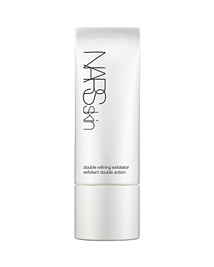 This gentle exfoliator combines Nars exclusive Light Reflecting Complex, mild citrus-fruit acids and botanical exfoliating spheres to exfoliate the upper layers of the skin, stimulating natural cell turnover and helping purify and refine the skin\\\'s surface. The result is a soft, smooth, visibly bright and healthy-looking complexion. Pores become less visible as they are deeply cleansed and refreshed. Wild Rose Extract helps prevent signs of irritation* as skin is comforted and conditioned. Polis