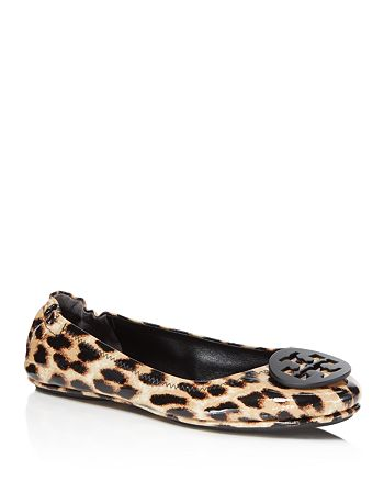 7704b385fb7 Tory Burch - Women s Minnie Leopard Print Patent Leather Travel Ballet Flats