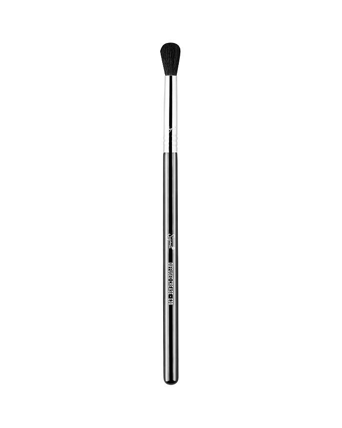 Sigma Beauty - E38 Diffused Crease Brush