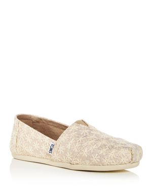 WOMEN'S DAISY EMBROIDERED METALLIC ALPARGATA FLATS