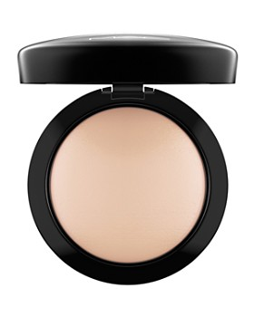 M·A·C - Mineralize Skinfinish Natural