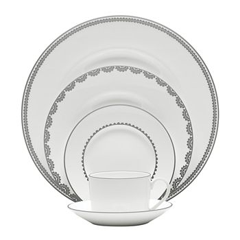 "Vera Wang - for Wedgwood ""Flirt"" Oval Open Vegetable"