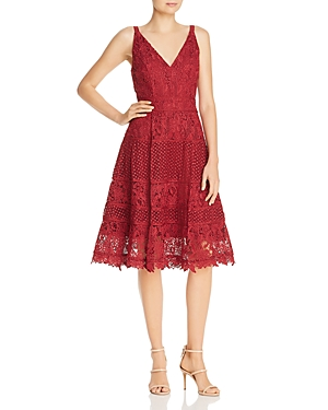 Adelyn Rae WOVEN LACE PANELED DRESS
