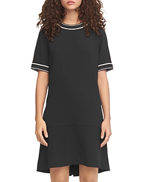 Size & Fit: Fits true to size, order your normal size Relaxed fit through bust, waist and hips Non-stretch fabric Designedto hit above the knee Approx. 39 from back of neck to hem, based on a size 4 Model measurements: 5\\\'10 height, 33.5 bust, 23.5 waist, 34.5 hips, wearing a size 4 Features & Care: