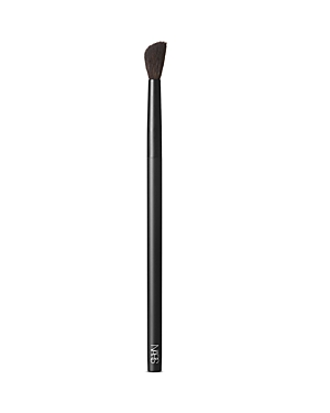 What It Is: A small, fluffy brush designed for use with best-selling Radiant Creamy Concealer. Ideal for applying the award-winning, creamy formula with a smooth, even finish and an airbrushed effect. Its contoured shape is ideal for seamlessly blending and diffusing product onto the delicate under-eye area. Never lose your touch. Perfect your form with a new lineup of makeup brushes designed for ultimate artistry. High precision. High quality. The highest performance. Expertly shaped from durab