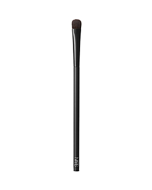 What It Is: A small, paddle-shaped eyeshadow brush ideal for targeted shading on the eyes and for highlighting underneath the eyebrows. Never lose your touch. Perfect your form with a new lineup of makeup brushes designed for ultimate artistry. High precision. High quality. The highest performance. Expertly shaped from durable synthetic fibers, each brush was customized for use with all of Francois Nars\\\' signature techniques. Hypoallergenic fibers lend themselves to simple cleansing and care and