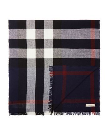 Burberry - Merino Wool Check Scarf 915362a51a