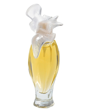 An emblematic fragrance, symbol of love, peace, and freedom. A bottle crowned with two doves, the symbol of femininity and purity. A luxurious object that conveys dreams. A floral, spicy fragrance combined spicy accord of carnation, floral notes of rose and jasmine and a powdery woody base note.