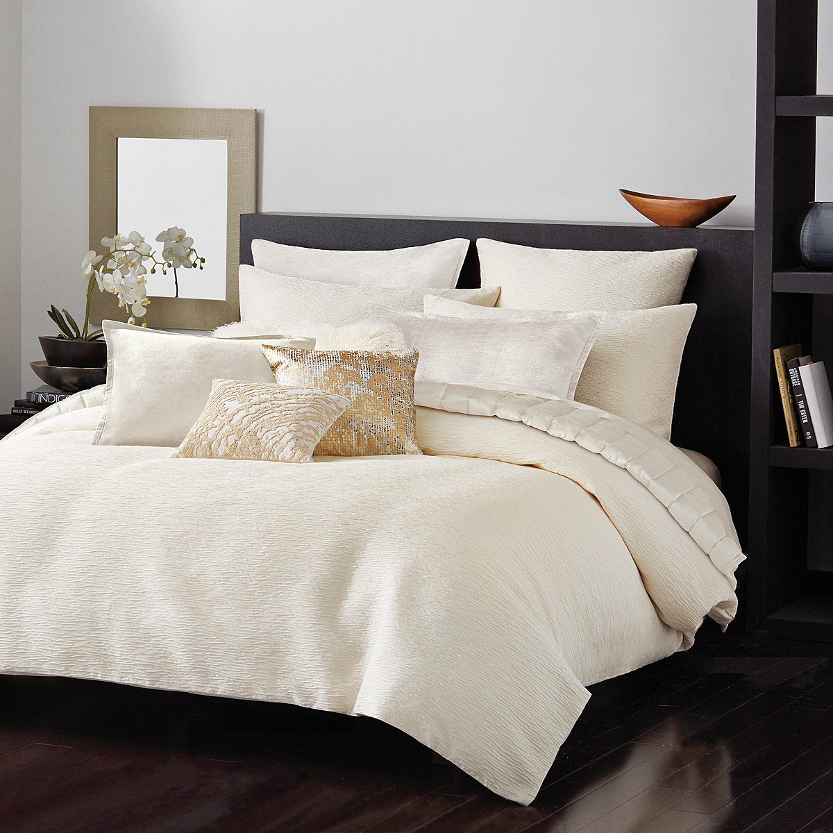 Donna Karan Rhythm Ivory Duvet Cover, Full/Queen | Bloomingdale\'s