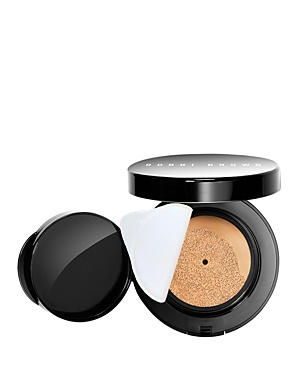 What It Is: Skin-energizing, glow-boosting coverage in an instant. This silky liquid-to-go erases the look of imperfections and unevenness for a perfectly diffused complexion and no-makeup feel with just a few dabs. At home or on the go, this cushion compact is your secret to a flawless glow that\\\'s fresh, fast and foolproof. Who it\\\'s for: All skin types. Why it\\\'s different: This portable liquid foundation is packed with beauty and skincare benefits: - Replenishes skin\\\'s natural energy with energ
