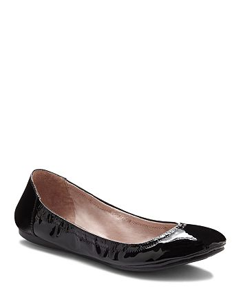6d4170e373e VINCE CAMUTO - Women s Ellen Flats
