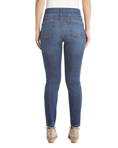 Karen Kane - Terra Pull-On Skinny Jeans in Vintage Wash