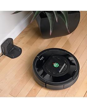 iRobot - Roomba 677 Wi-Fi Robot Vacuum