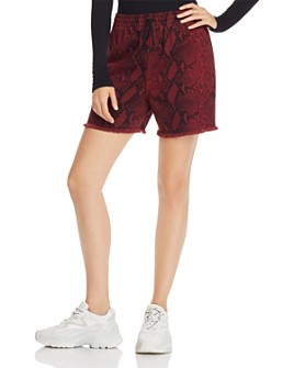 alexanderwang.t - Printed Denim Shorts in Red Snake