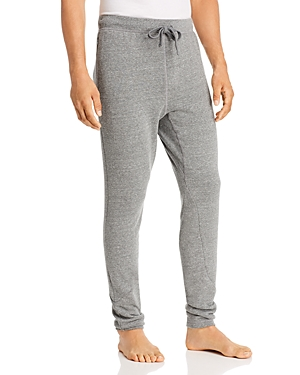 Alo Yoga The Triumph Slim Fit Sweatpants
