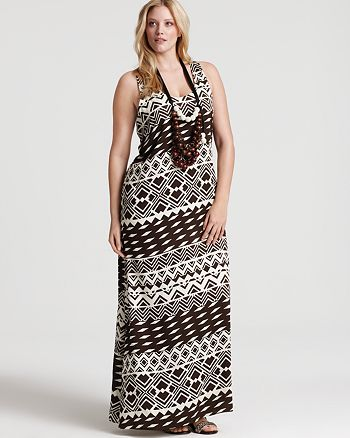 Tbags Los Angeles Plus Size Necklace Embellished Printed Maxi Dress