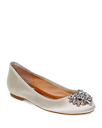 4051ea533ec8 Badgley Mischka - Women s Bianca Jeweled Ballet Flats