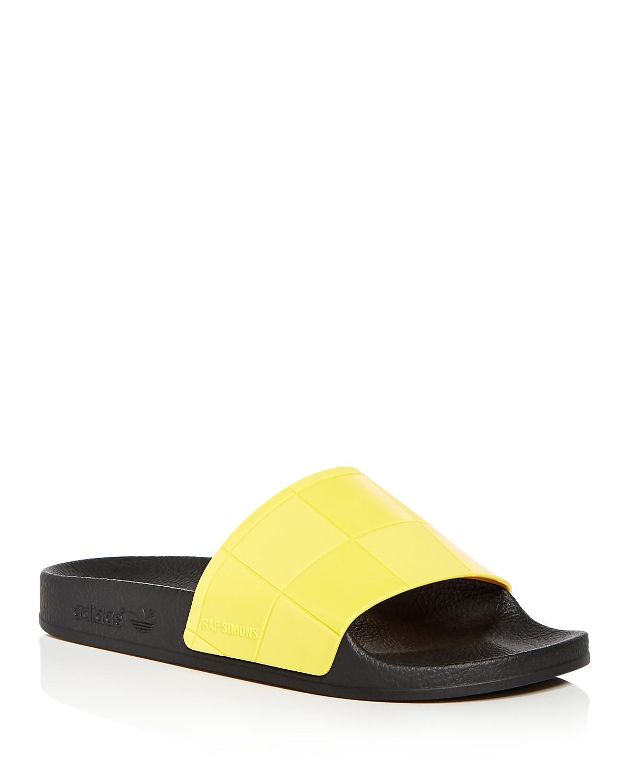 adidas Women's Adilette Checkerboard Slide Sandals HHqkNvP