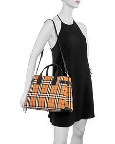 Burberry - Vintage Check Medium Banner Bag