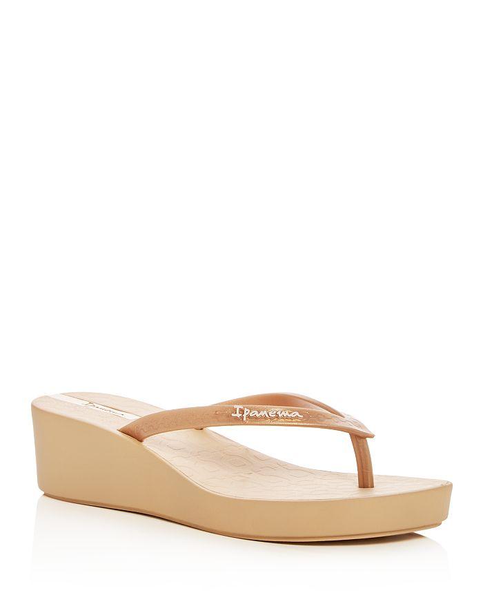 1ec3be145228 Ipanema - Women s Ipa Daisy Wedge Platform Flip-Flops